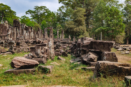 prasat bayon: Ruined walls of the Prasat Bayon, the central temple of Angkor Thom Complex, Siem Reap, Cambodia. Ancient Khmer architecture and famous Cambodian landmark