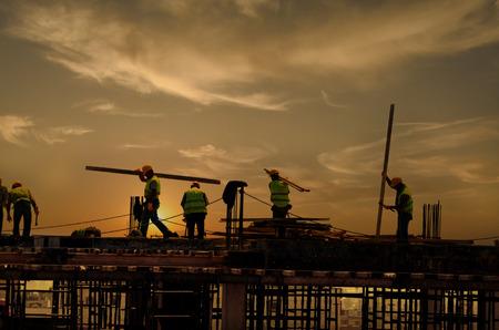 La construction sur le Sunset Banque d'images - 33531189