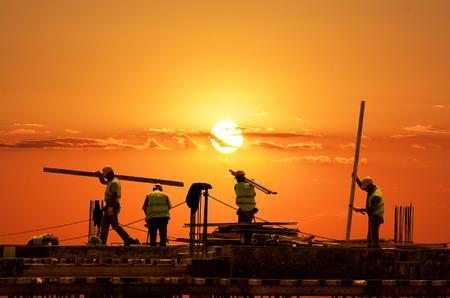trabajadores: Construcción de carreteras