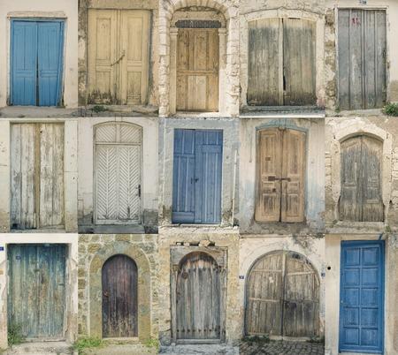 puertas antiguas: puertas históricos viejos Foto de archivo