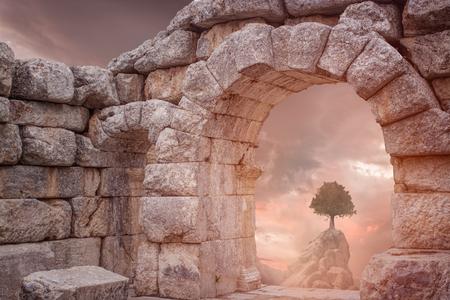 templo griego: Templo de fantasía medieval y árbol solo
