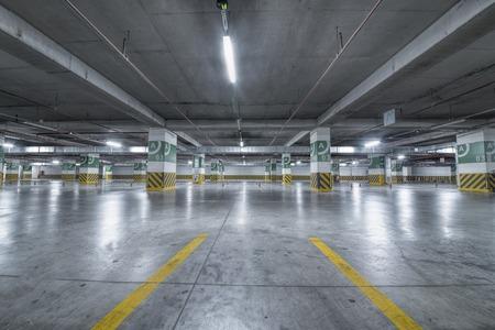 aparcamiento subterráneo Garaje Foto de archivo