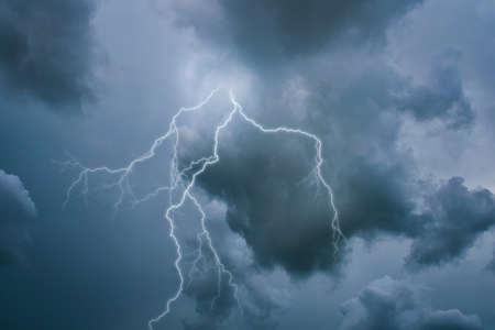 streak lightning: A lightning strike on the cloudy sky