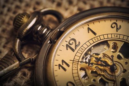 Vintage stary zegarek kieszonkowy Zdjęcie Seryjne