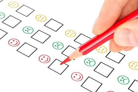 Kundenzufriedenheit Fragebogen zeigt Marketing-oder Business-Konzept Standard-Bild - 15347872