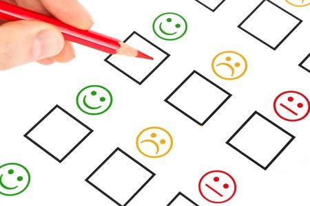 Kundenzufriedenheit Fragebogen zeigt Marketing-oder Business-Konzept Standard-Bild - 15376014