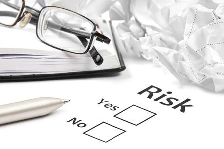 Plant das unternehmerische Risiko bei der Arbeit Standard-Bild - 16279342