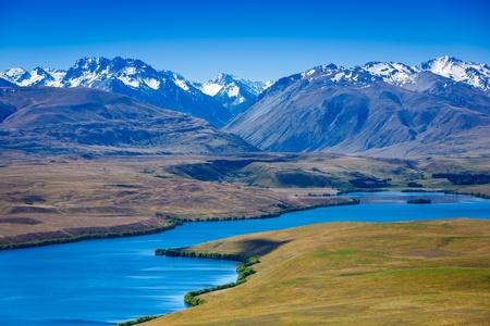 majestic mountain: Majestic mountain lake in New Zealand