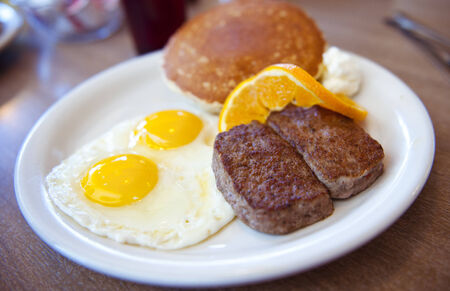 lee vining: Eggs, Patty and pancakes breakfast