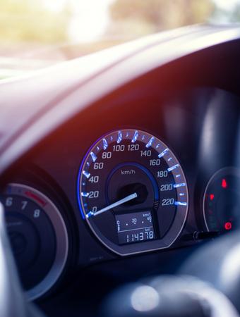 Tableau de bord Gros plan de voiture kilométrage Banque d'images