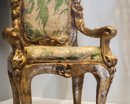 antique chair faithfully reproduced with the art of modeling