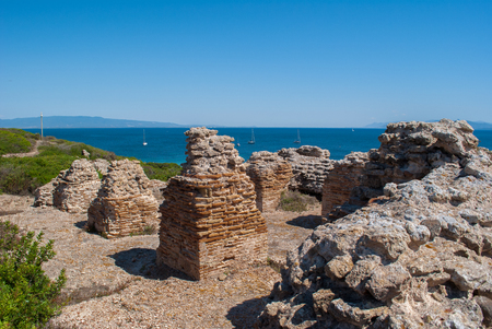 finds: Archaeological site located on the Sea of Sardinia dating back to the Phoenicians