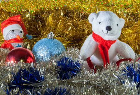 flocking: polar bear and snowman, two classics of the Christmas holidays