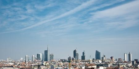 밀라노: 밀라노의 스카이 라인 스톡 사진