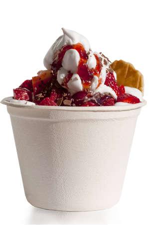 luft: frozen yogurt mit erdbeeren