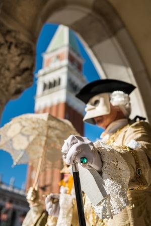 Arany velencei karneváli maszk Stock fotó