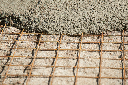 Construction of a cement screed