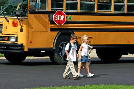 少年と少女の交差道路