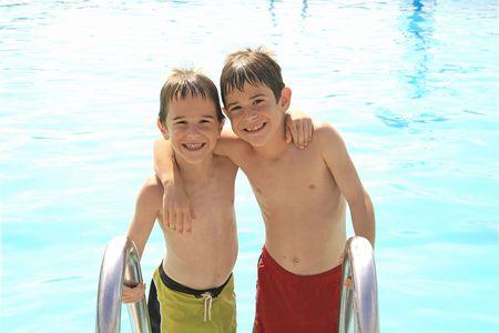 Muchachos en la piscina Foto de archivo - 1156965