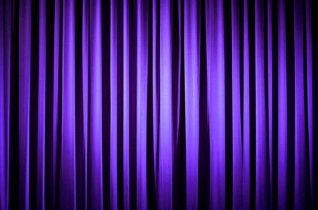 Purple Theater Vorhang  Standard-Bild - 2454204
