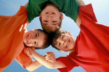huddling: Kids Huddling