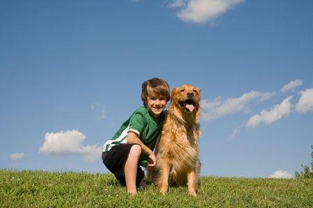 Little chien et garçon Banque d'images - 3382841