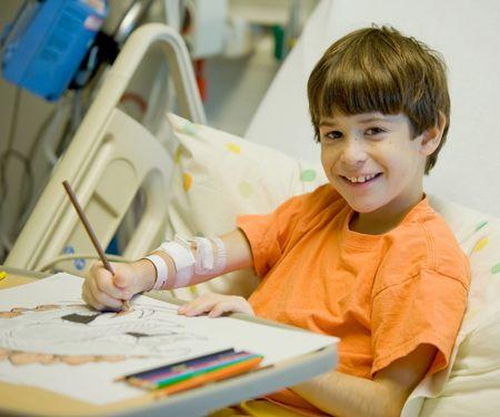 Petit garçon à l'hôpital sentiment beaucoup mieux Banque d'images - 3466549
