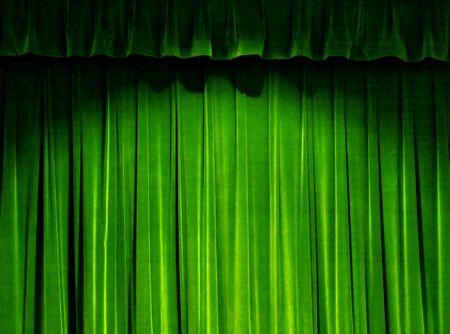 sipario chiuso: Verde Teatro Tenda