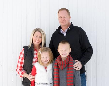 Glückliche Familie zu Weihnachten Standard-Bild - 24515550
