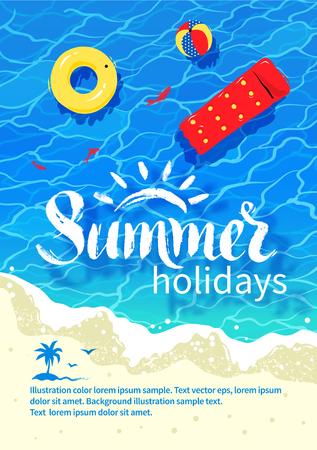 Summertime ontwerp met zomer woord belettering, zwembad vlot, strand bal, rubberen ring, zee surfen, water rimpel en strandzand.