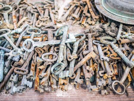 market stall: Antique rusty metal keys on a market stall at a flee market in Turkey, Cappadocia Stock Photo