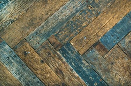 Recupera la porta, il muro o la struttura di legno rustici della porta, della parete o della tavola del granaio