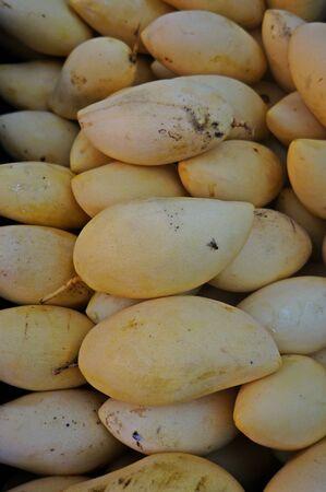deliciously: mango deliciously fresh