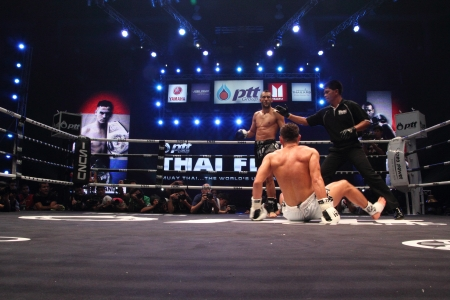 unrivalled: BANGKOK, THAILAND- SEPTEMBER 25 : Unidentified players in Thai Fight:Muay Thai. Worlds Unrivalled Fight on September 25, 2011 at Thammasat University Convention Center, Bangkok, Thailand