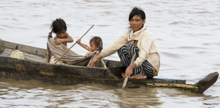 poling: boat people of siem reap
