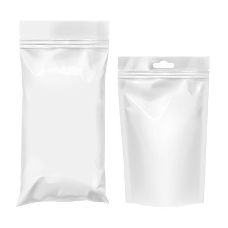 Sacchetto flessibile di Foil. Cuscino snack per alimenti Pacchetto realistico. Imballaggio di merci in polietilene. Mock up per il modello del marchio. illustrazione vettoriale.