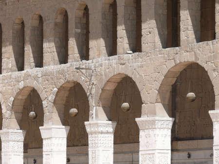 damascus: Arched arcade,  Umayyad Mosque, Damascus, Syria Stock Photo