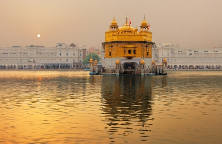 dome of hindu temple: The Golden Temple, Amritsar, India attracts more that one million visitors per week
