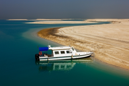 The World Islands in Dubai is synonymous with the economic crash of 2009… to date no significant project has been built on these islands and they remain deserted Stock Photo - 17914409