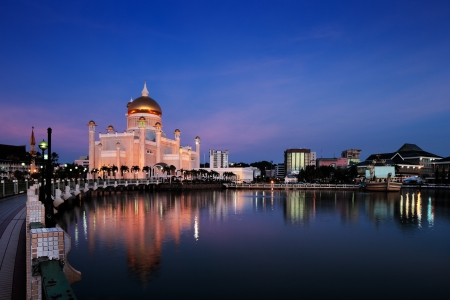 asia pacific: The center piece of Brunei s capital Bandar Seri Begawan is the majestic Sultan Omar Ali Saifuddien Mosque