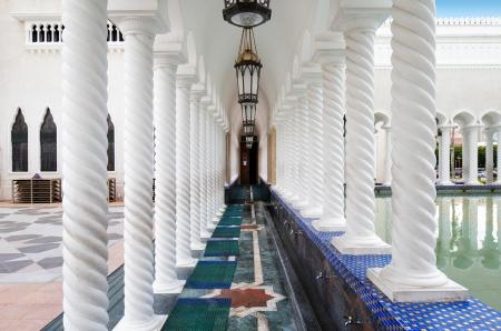 omar: The center piece of Brunei s capital Bandar Seri Begawan is the majestic Sultan Omar Ali Saifuddien Mosque