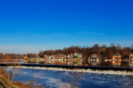The Schuylkill River hosts Philadelphias famed boathouse row, as a colorful backdrop to the Fairmount Dam Fishway, City of Philadelphia 新聞圖片