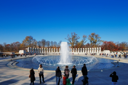 u s: The U S  National World War II Memorial in Washington DC, USA  It commemorates Americans who served in the armed forces and as civilians during World War II