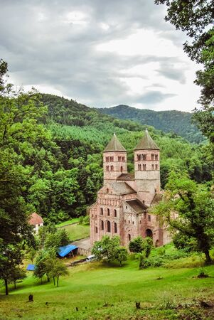 bbey of Murbach, at the bottom of the Vosges valley of Guebwiller, next to Buhl in Alsace. Roman architecture Banque d'images
