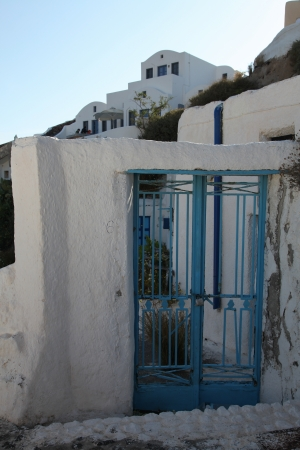 Entrance of a house in Oia on Santorini island (Greece) photo