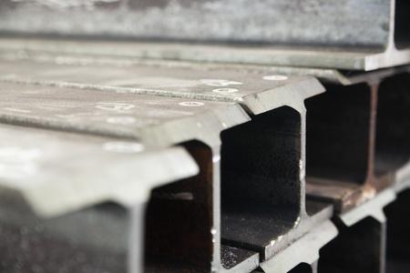 I-beam en una fila en una fábrica Foto de archivo