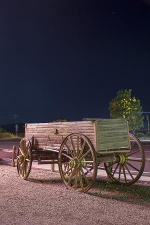 carreta madera: Carro viejo, occidental, cerca de la hist�rica Ruta 66