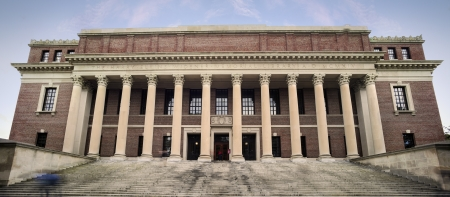 Harvard University Library. Success in education and tourist attraction in Cambridge, Massachusetts, USA 報道画像