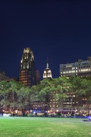 bryant park: Bryant Park and Skyscrapers, Midtown Manhattan
