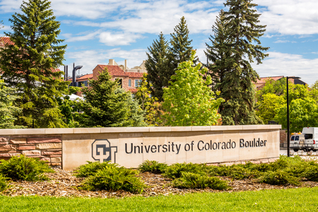 Entrance to University of Colorado Boulder 에디토리얼